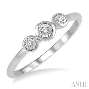 THREE STONE DIAMOND PROMISE RING