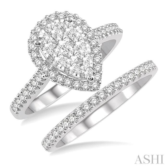 PEAR SHAPE LOVEBRIGHT ESSENTIAL DIAMOND WEDDING SET