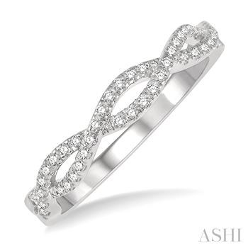 DIAMOND SWIRL FASHION RING