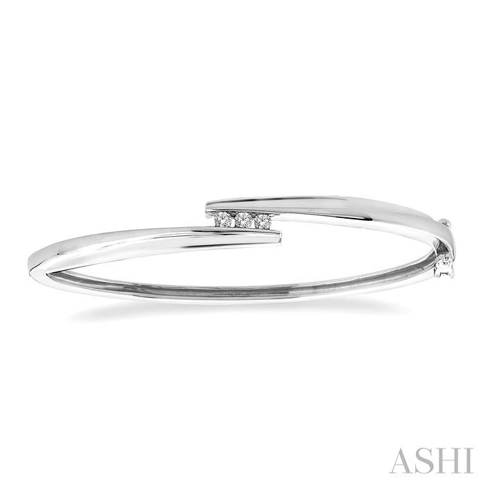 SILVER CHANNEL DIAMOND BANGLE