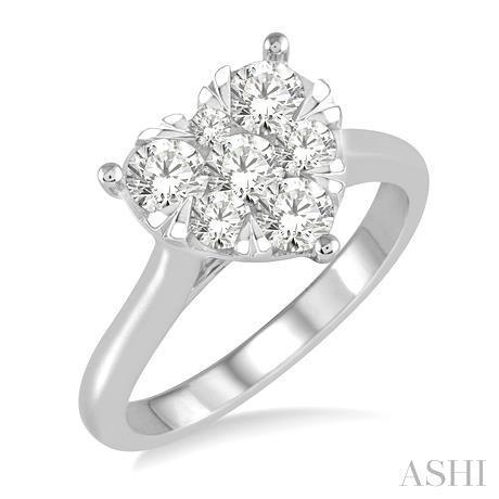 LOVEBRIGHT ESSENTIAL DIAMOND HEART RING